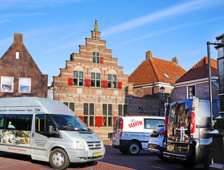bus seniorenautovakanties in een Nederlandse plaats